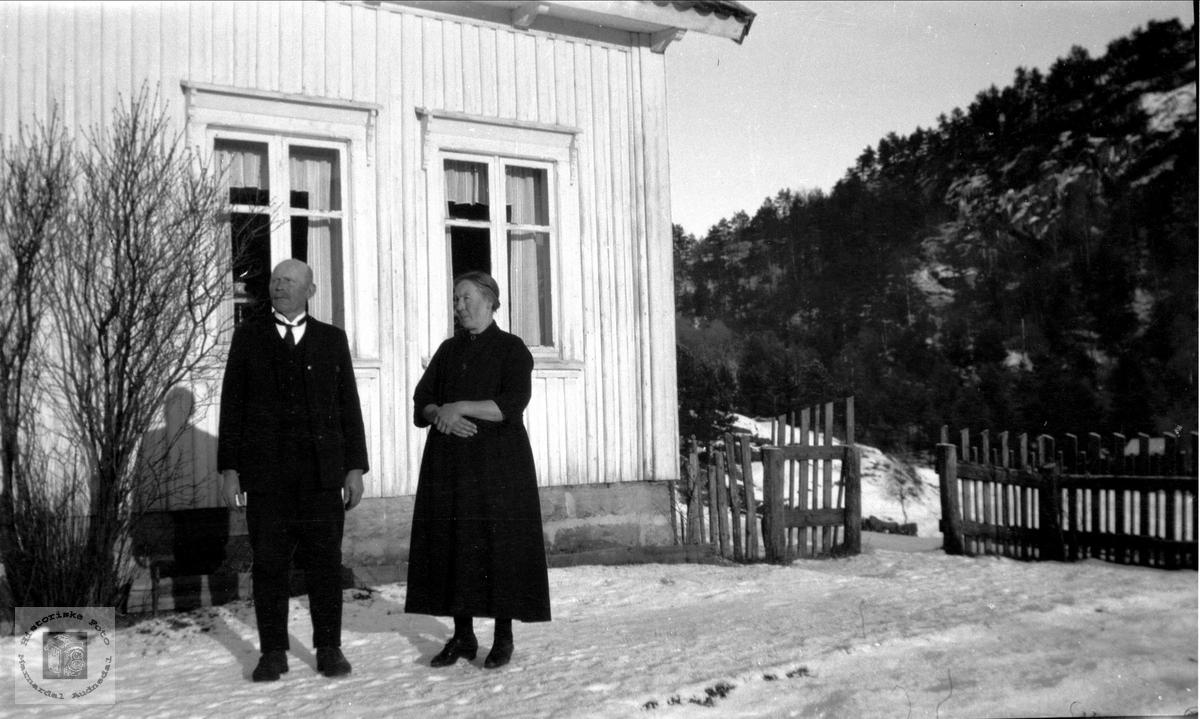 Ukjent og Signe Hesså, Bjelland.