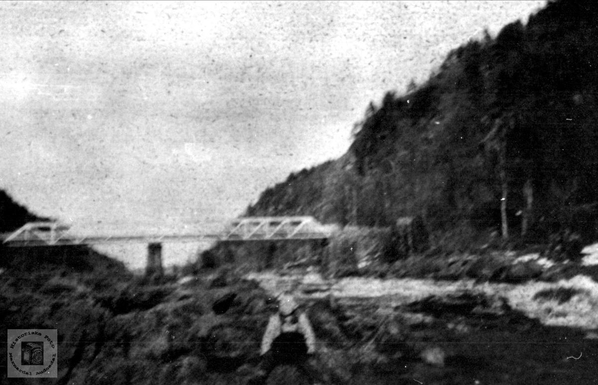 Kleveland bru fra 1886. Laudal/ Finsland.