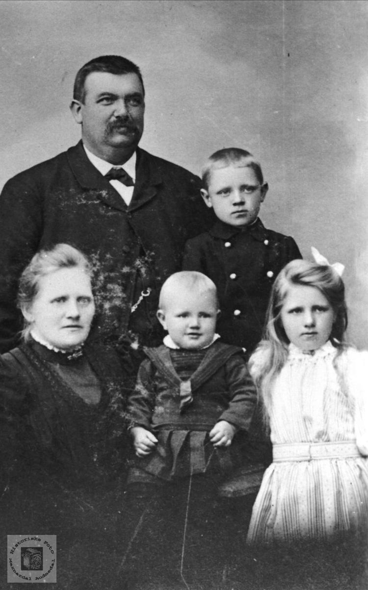 Familiegruppe Gangså, Øyslebø.