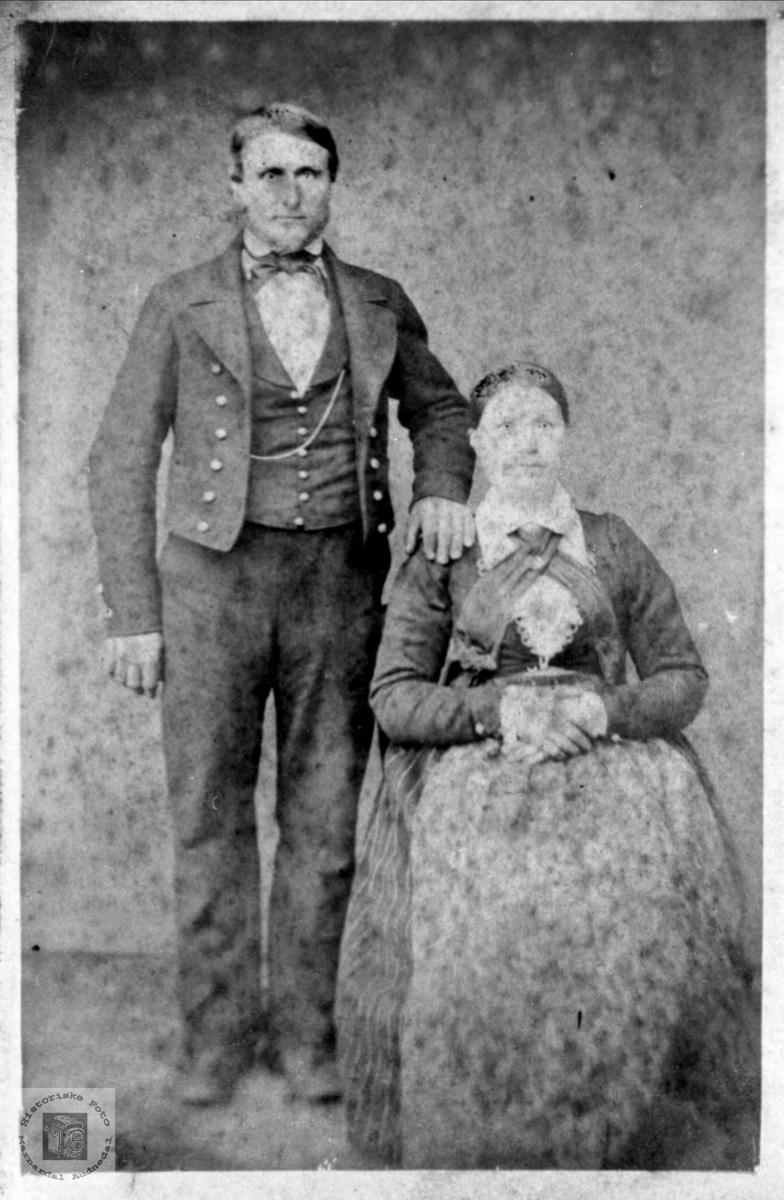 Ekteparet Ola og Berte Heddeland, Øyslebø.