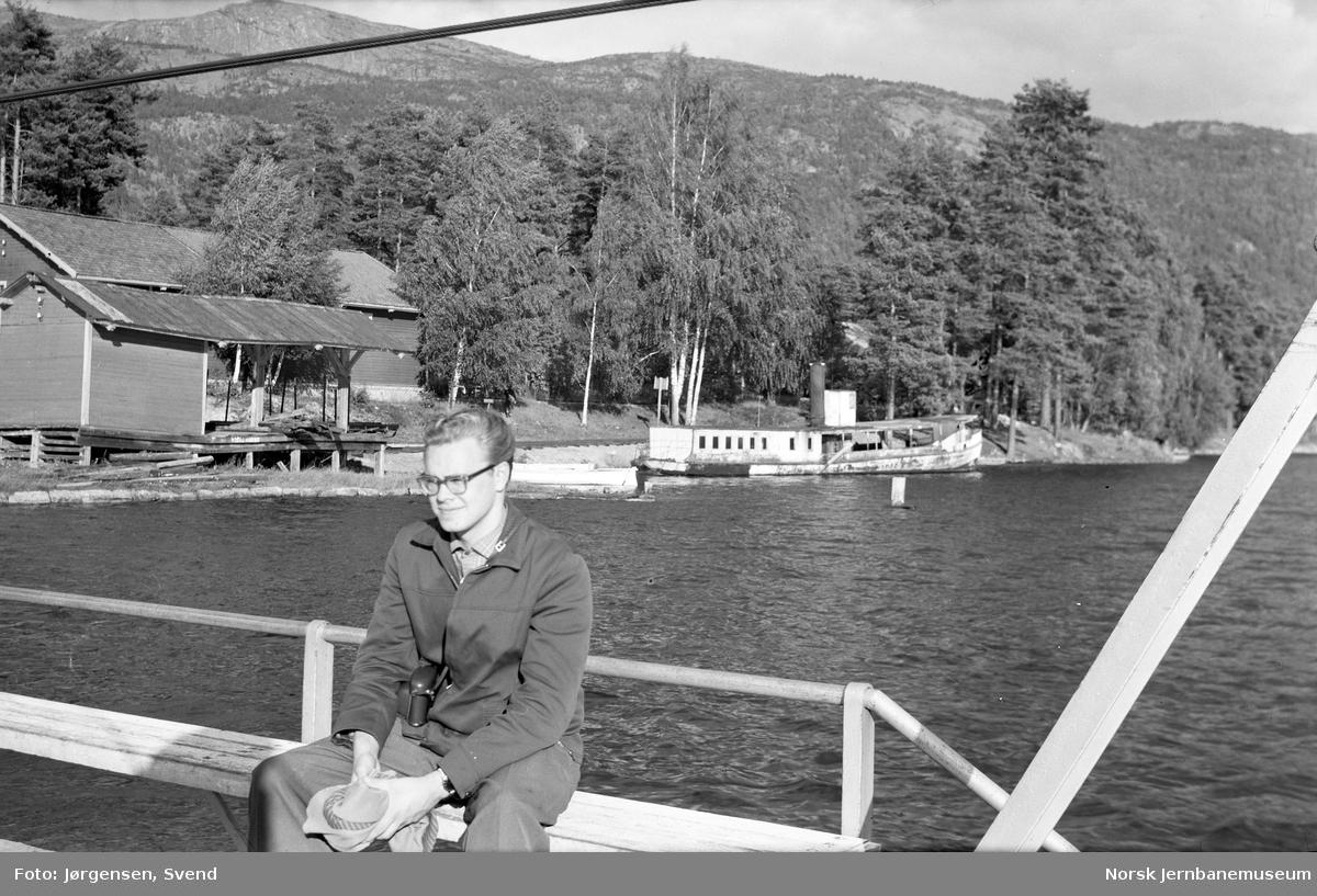 Byglandsfjord stasjon sett fra fjorden