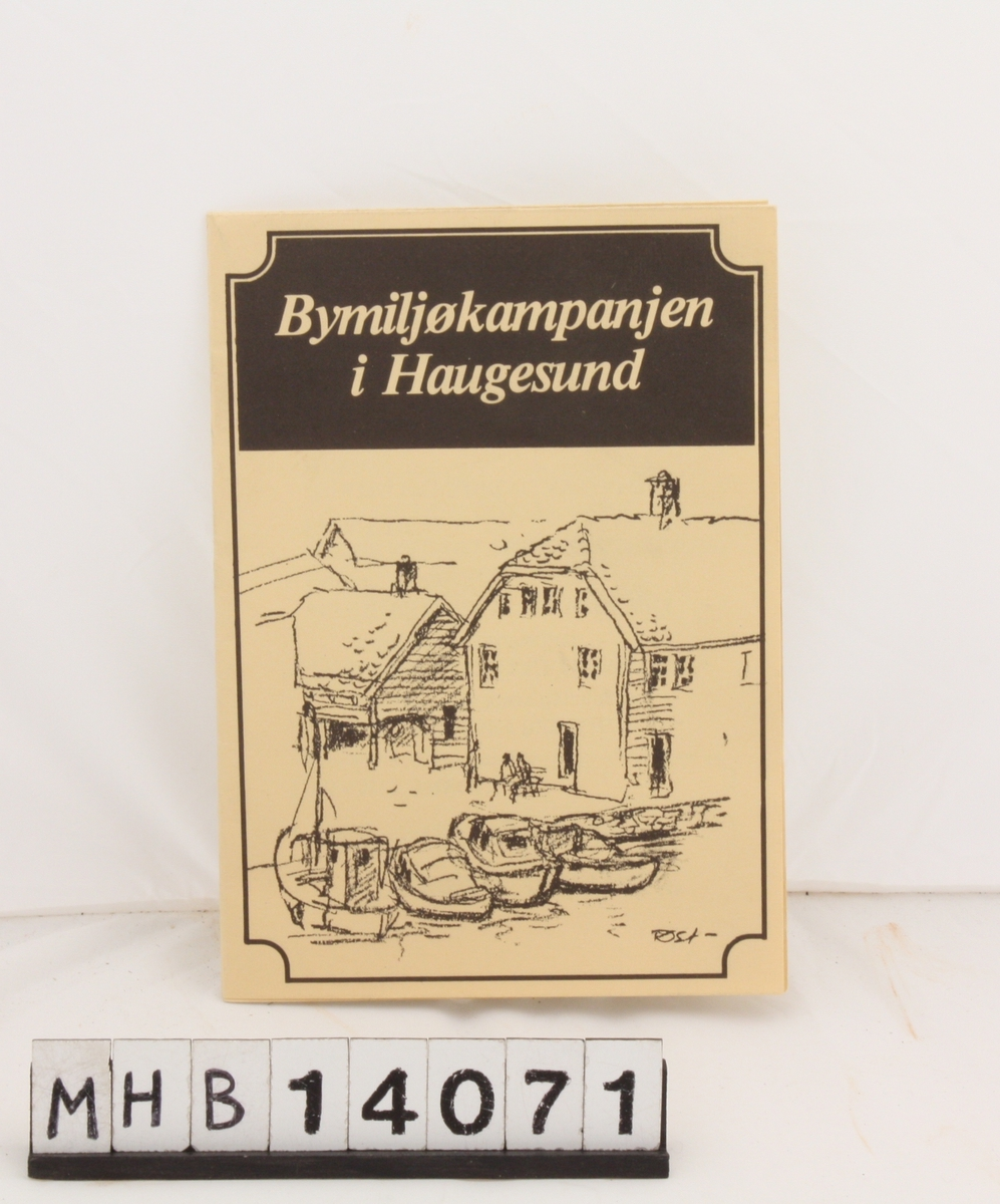 Rektangulær brosjyre som kan brettes ut. Den handler om bygningsvern i Haugesund.