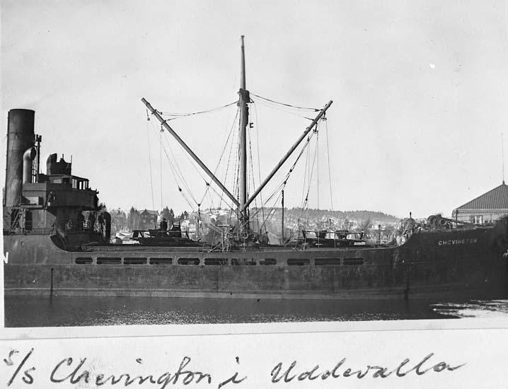"Text på kortet: ""s/s Chevington i Uddevalla"".    ::"