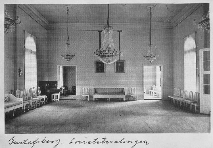 """Text på kort: """"Gustafsberg. Societetssalongen"""".    ::"""
