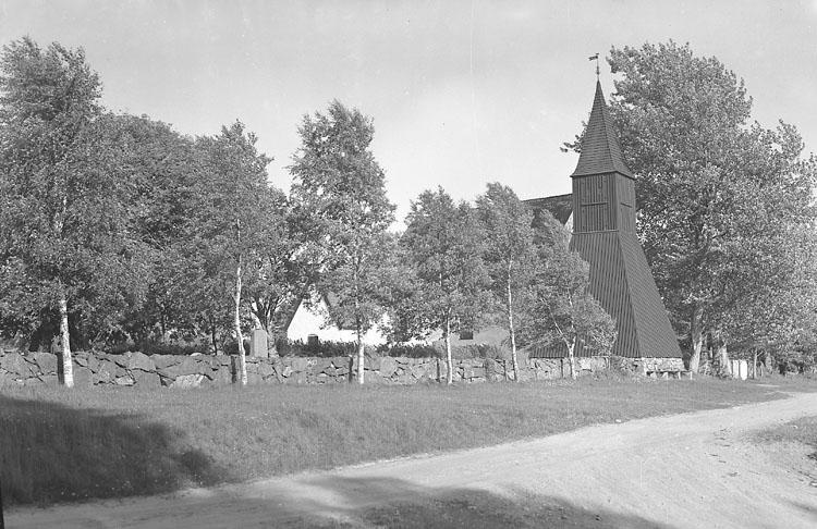 """Enligt AB Flygtrafik Bengtsfors: """"Bullaren Naverstad kyrka"""".     ::"""