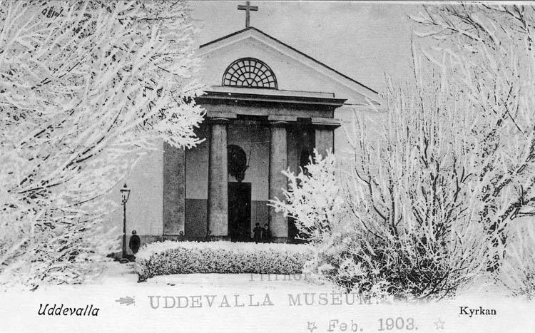 """Tryckt text på bilden: """"Uddevalla. Kyrkan. """"   """"C.R. Högström."""""""