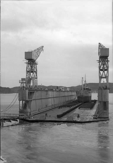 Sörvik flytdocka, 10.800 ton. Indockning av Josef Bergendorf.