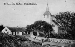 Fiskebäckskils kyrka med kyrkoskolan