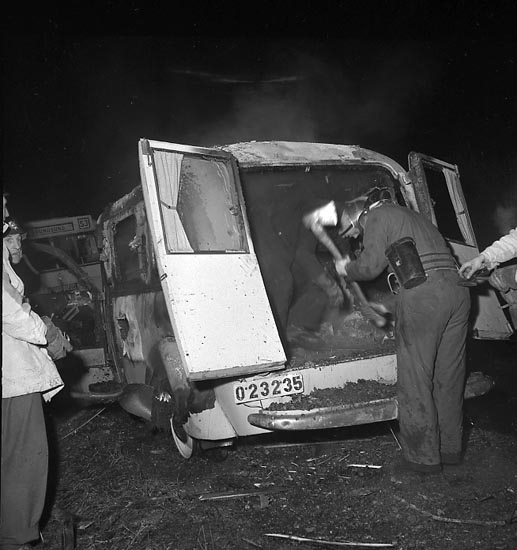 "Enligt notering: ""Ambulansbrand dec. 1947""."