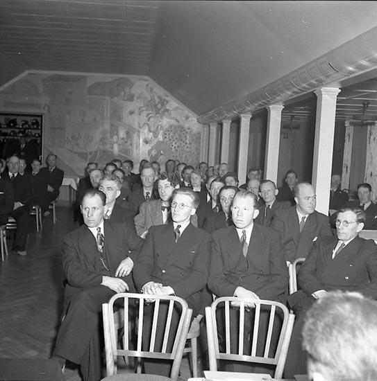 """Enligt notering: """"Folkpartiet 30/3 1947""""."""