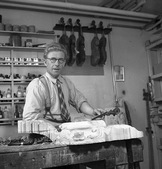 """Enligt notering: """"Herr Bäckman Industri 23/5 1947""""."""