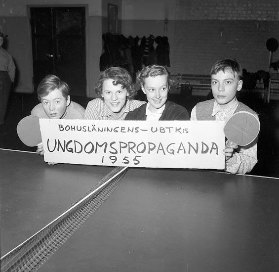 "Enligt notering: ""Lyckad ungdomspropaganda 7-3-55""."