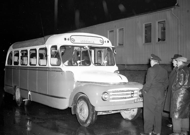 """Enligt notering: """"Thorden-bussen U-a Varvet 5-12-55""""."""