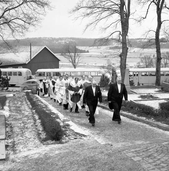"""Enligt notering: """"Kyrkoherdeinstallation Svarteborg d 14/12 -58""""."""