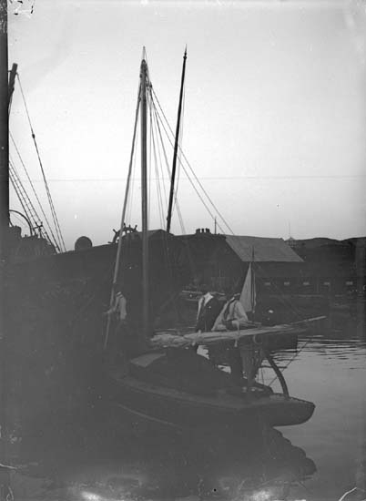 """Enligt text som medföljde bilden: """"LSS 08 i Uddevalla hamn Juli 08."""" ::"""
