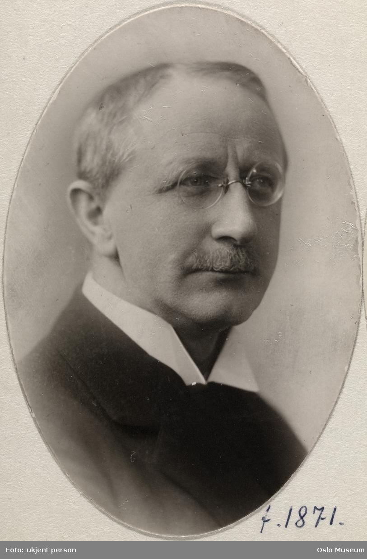 portrett, mann, brystbilde, høyesterettsadvokat, medlem av Aker herredsstyre
