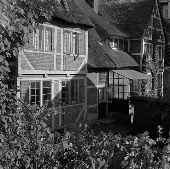 1. Tyskland, Nederländerna. Fotojournal finns på B.M.A. + fotoalbum. Samtidigt förvärv: Böcker och arkivmaterial. Foton tagna mellan 1959-10-09. och 1959-11-16. 12 Bilder i serie.