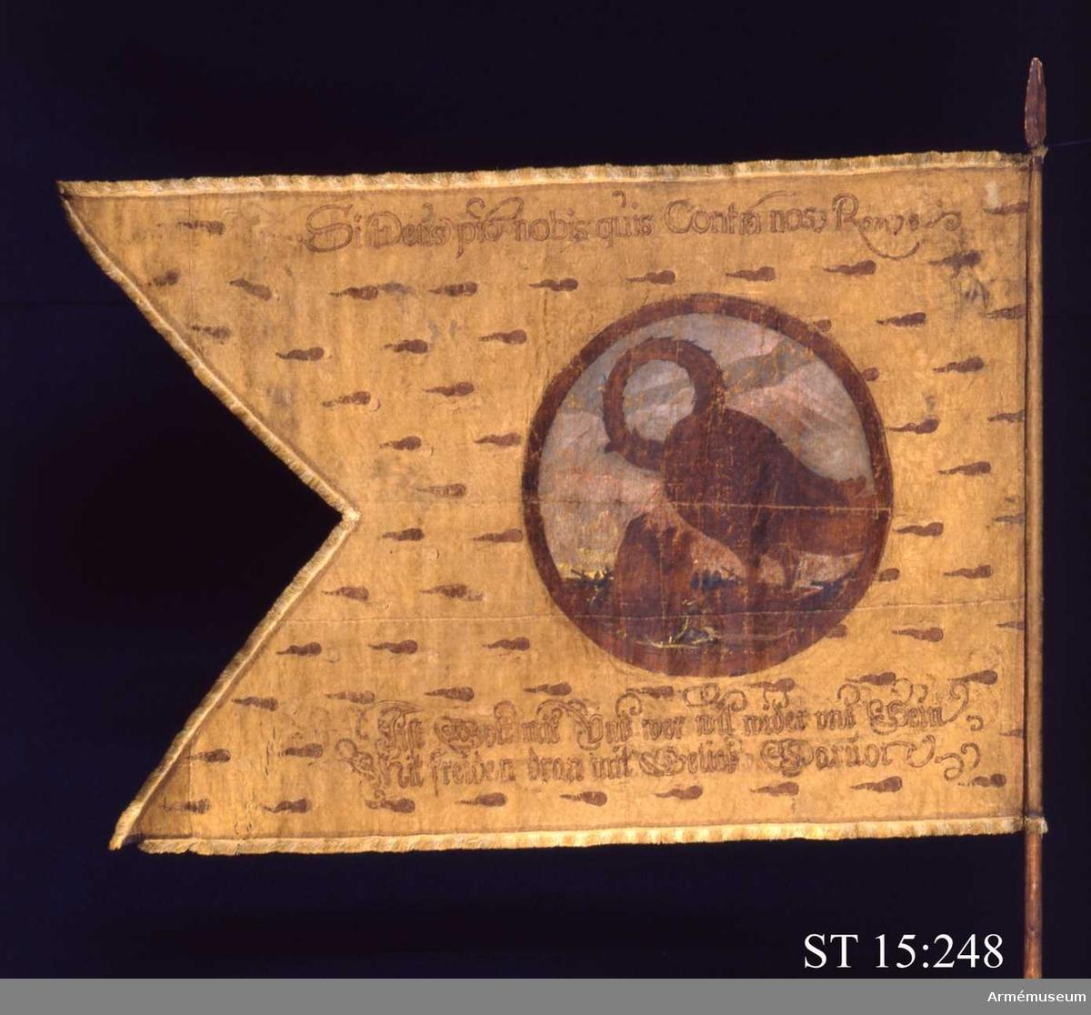 Yttre sidan: I en krans ses en pelikan hacka blod ur sitt bröst för att nära sina ungar. Inre sidan: Två stridande ryttare i en krans.