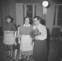 """Text till bilden: """"Vävkurs i Lyse. 1953.02.28""""    ::"""
