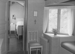 """Text till bilden:""""Riksdagsman Waldemar Svenssons bostad. Rum"""