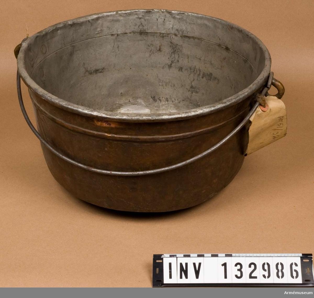 Kittel m/1859, av koppar, f fältbruk. D=38 cm.