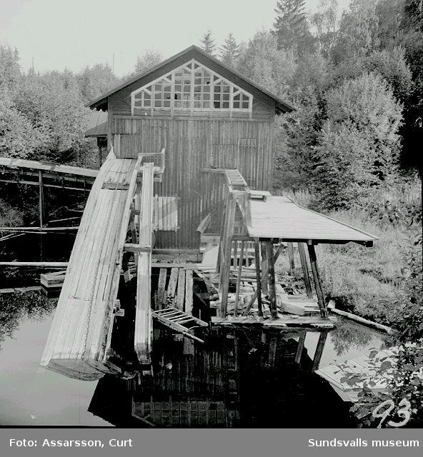 Österströms sågverk, tidigare vattendriven nu elektrifierad.