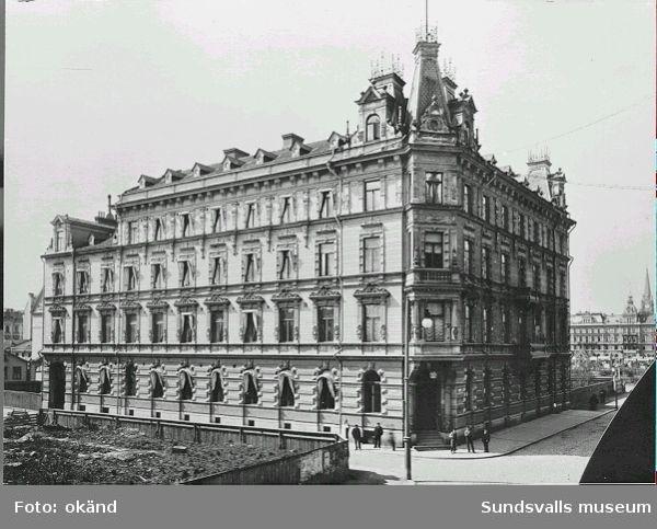 Nyuppförda Hotell Knaust, Storgatan 13.