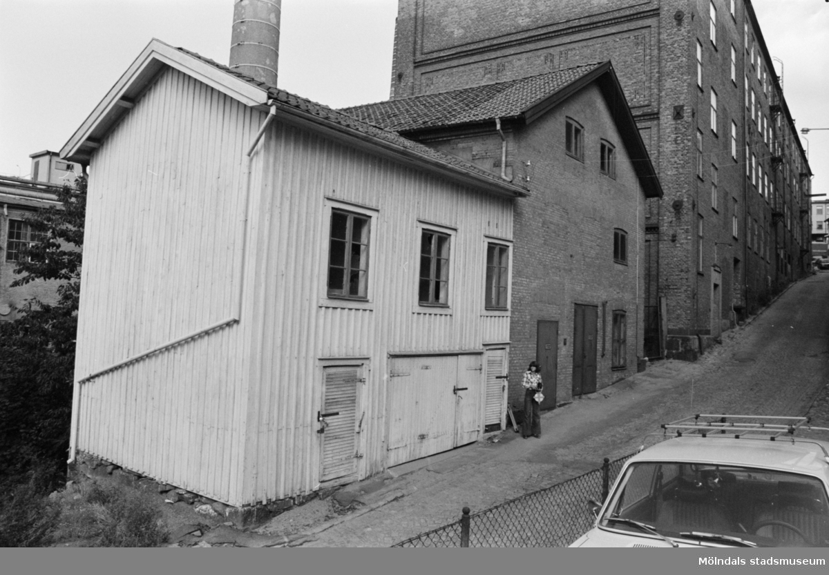 Kvarnfallet 24 vid Götaforsliden i Mölndals Kvarnby. Kvarnbyggnad.
