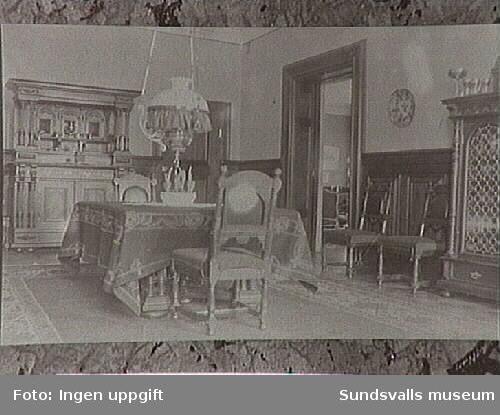 Interiör hos familjen Gustaf och Lydia Johansson. Villa Port Arthur, Rådhusgatan 35. Gustaf Johansson var direktör för Johannedals Trävaruaktiebolag.