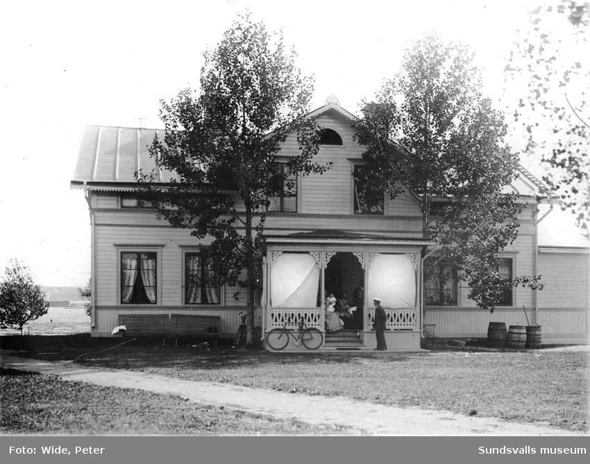 Disponent Lindholms (?) villa, Bölestrand i Timrå.