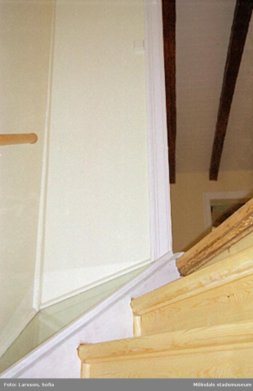 Ny trappa efter äldre förlaga. Våning 1 på Franckegatan 2, Sörliden 1, 2001-11-07.