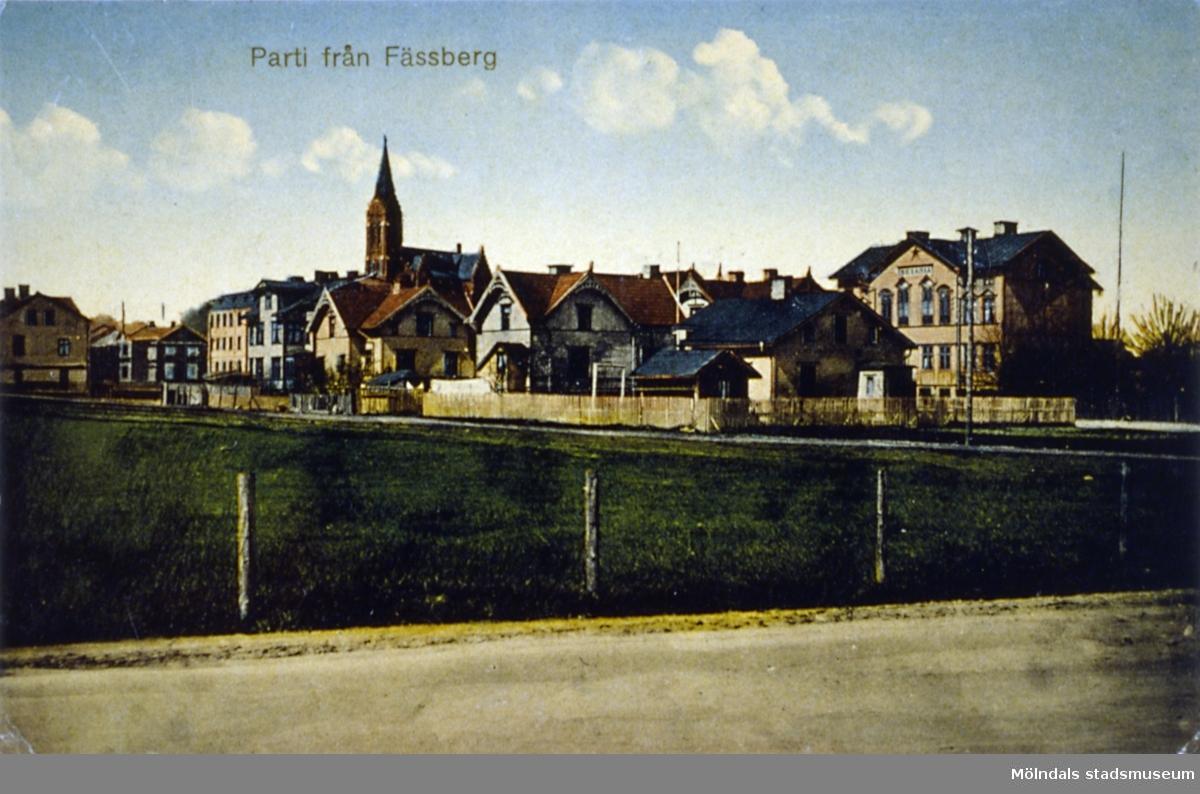 Färglagt vykort av parti från Fässberg i Mölndal.