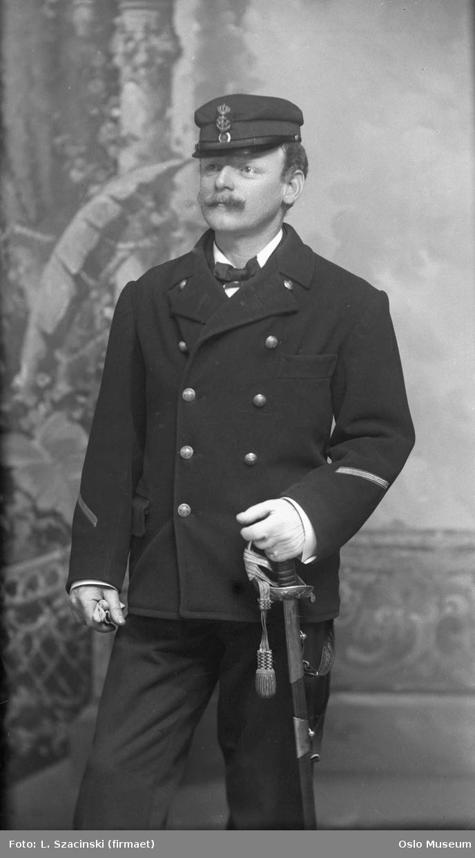 portrett, mann, underkanoner ved marinen, uniform, stående knefigur