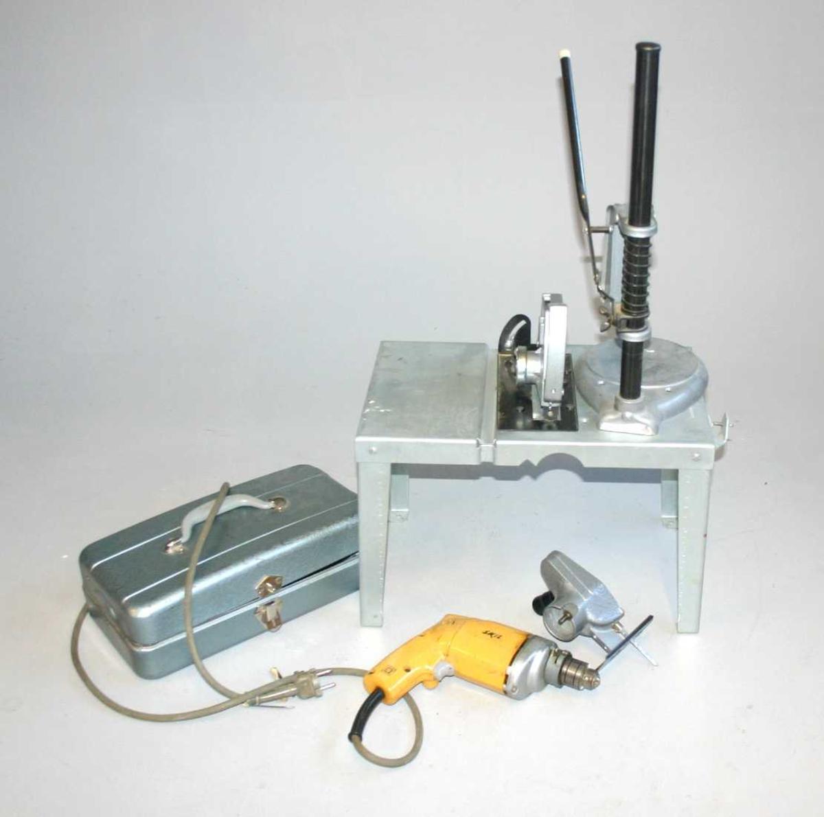 Verktøyskrin pluss borestativ - sirkelsag - drill - stikksag