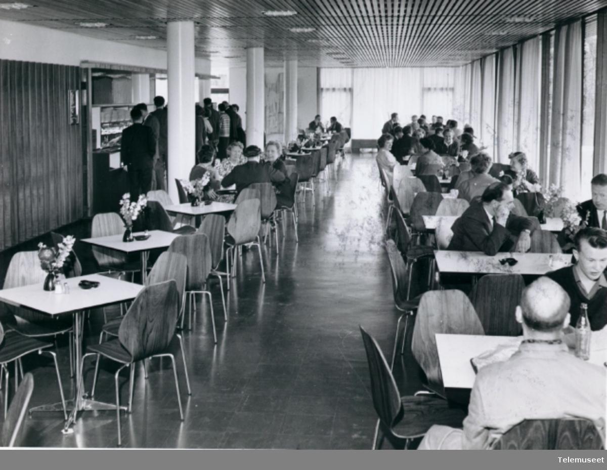 Telegrafbygg. Kantina i Telegrafstyrets nye administrasjonsbygg i Universitetsgata 2, Oslo