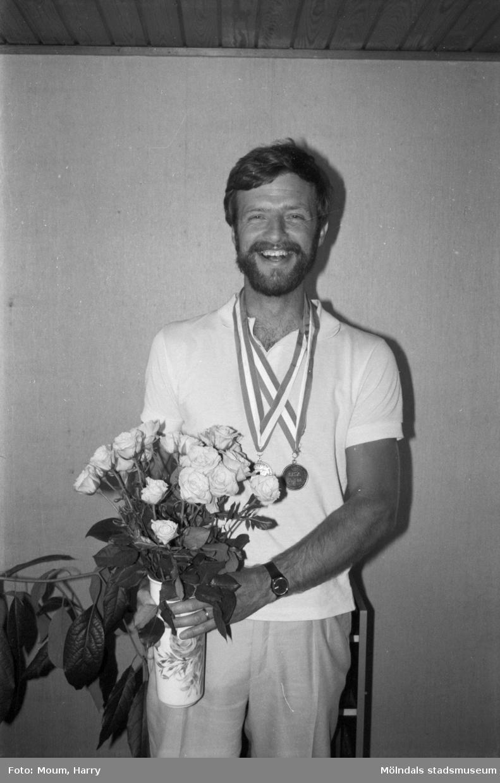 Jan Thulin, Kållered, OS-medaljör i bågskytte, år 1984.  För mer information om bilden se under tilläggsinformation.