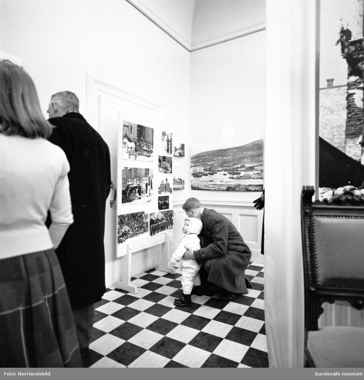 """Sista dagen för utställningen """"Gamla Sundsvall"""" på Sundsvalls museum."""