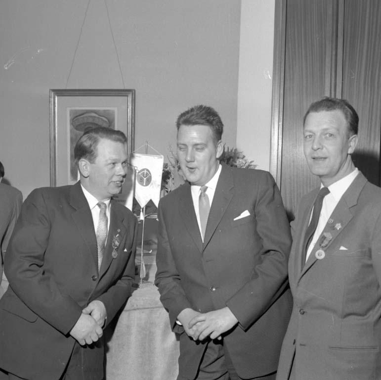 """Enligt notering: """"Bågskytte jubileum 10 år 20/2 1960""""."""