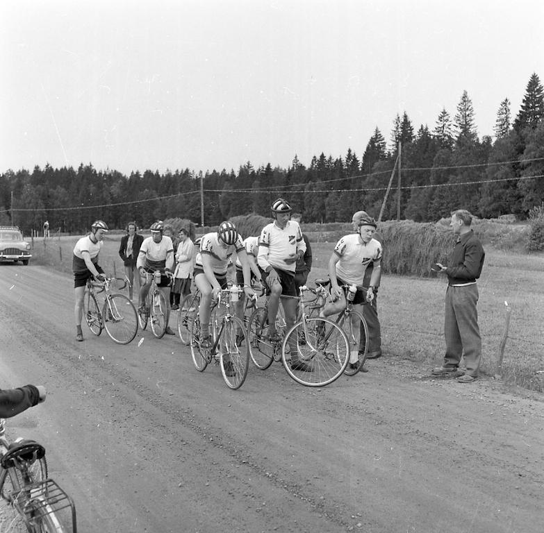 """""""Cykel DM start Normanneröd vägskäl 3 juli 1960"""""""