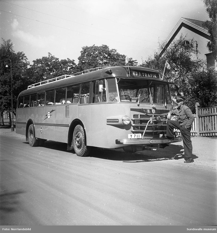 Bröderna Petterssons nya buss.