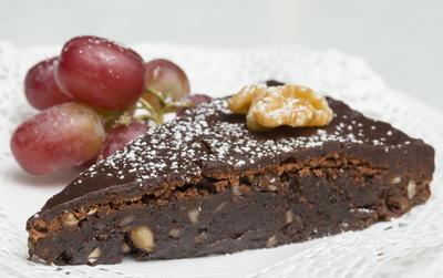 Bohemkake – en rik sjokoladekake med nøtter. Foto/Photo