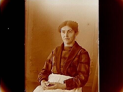 En kvinna, Hulda Lindskog, bröstbild.Sam Lindskogs privata bilder.