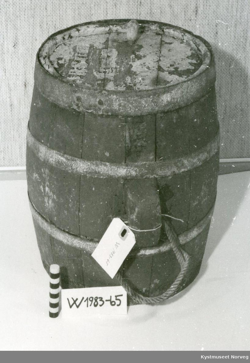 Form: Tønneformet