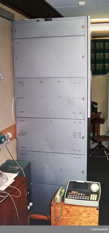 Ser nr 2638A 30 lokal nummer 4 samband 5 bylinjer 1 sentralbord Tilkoplet 3 stk bordtelefoner EB 1967