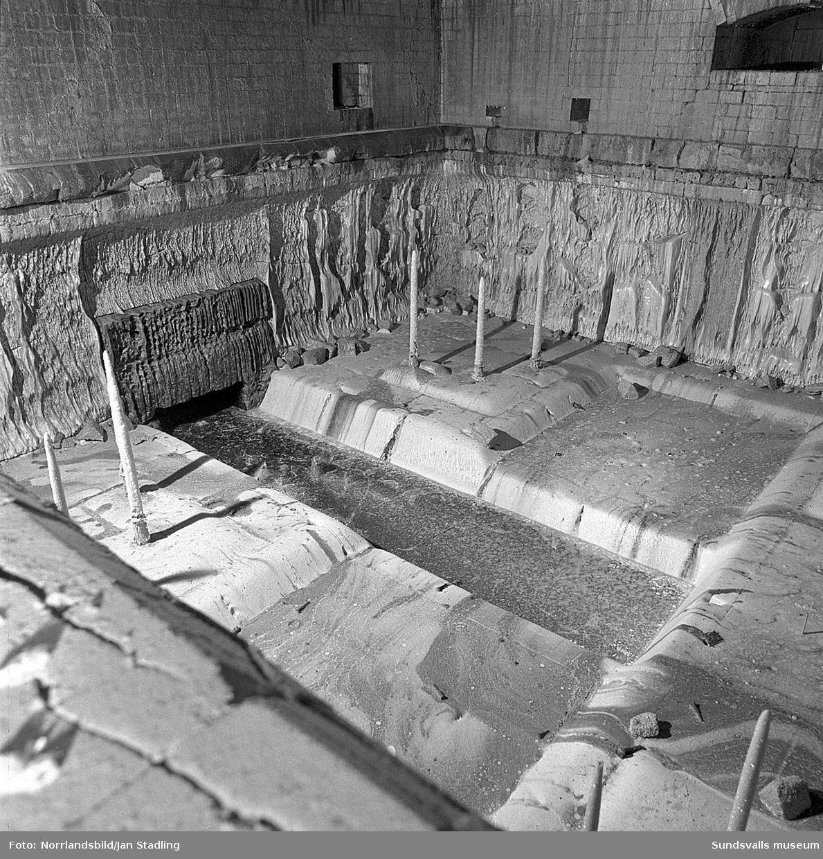 Insidan av glasugnen (vannan) vid Gullfibers fabrik i Söråker.