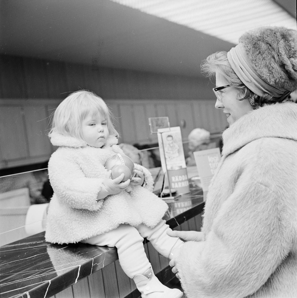 """Skandinaviska banken - """"invigning av nya banken Kungsängsgatan 7"""", Uppsala december 1962"""