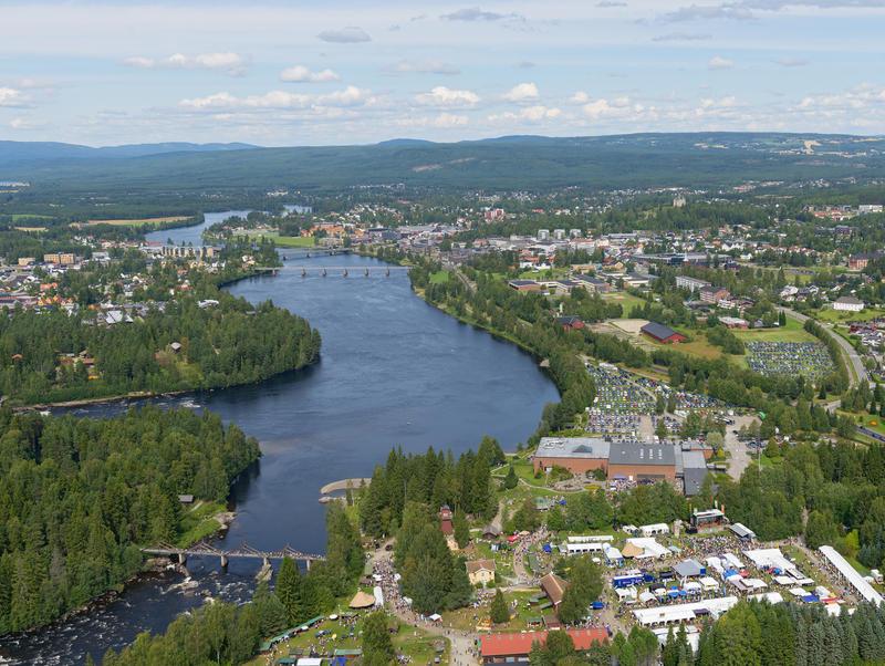Norsk Skogmuseum og Glomma fotografert fra helikopter under De nordiske jakt- og fiskedager 2014.