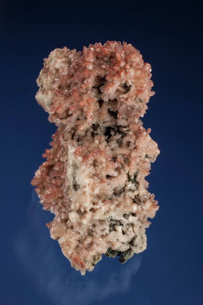 Albitt, sterkt rødlige mikro xls.