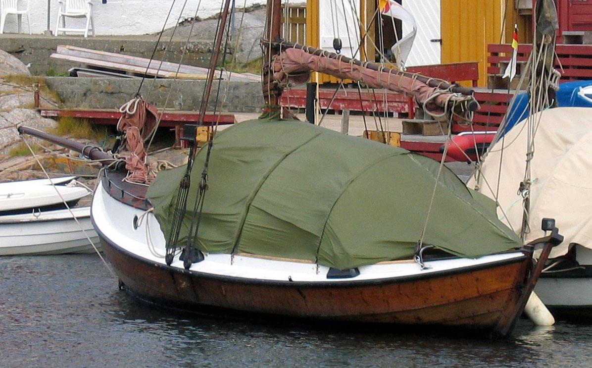 Med spesialsydd telt blir båten enda mer praktisk til turbruk.