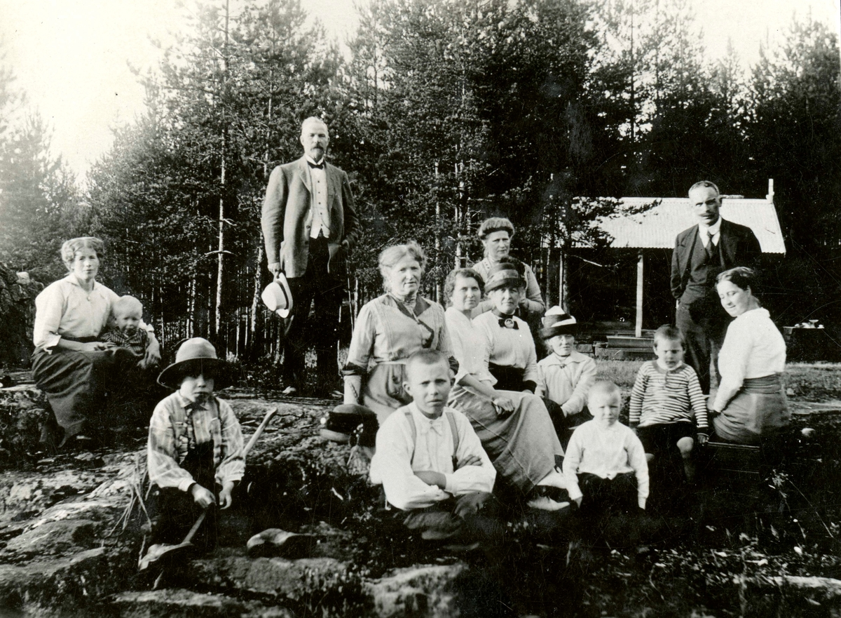 The Ruud family at the Ruudhytta cabin